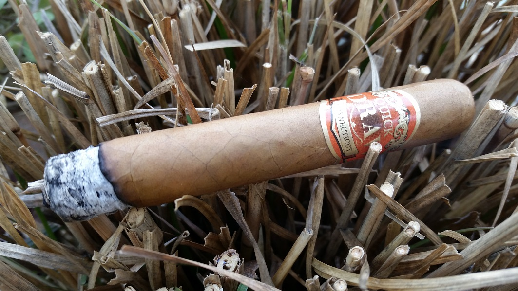 Team Cigar Review: Southern Draw QuickDraw Connecticut Petit Corona