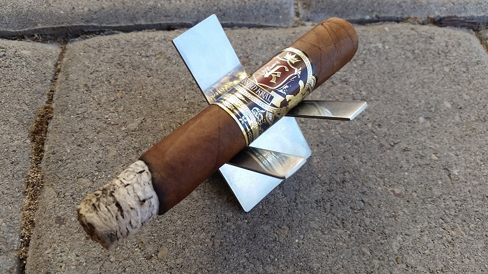 Team Cigar Review Jas Sum Kral Red Knight Robusto