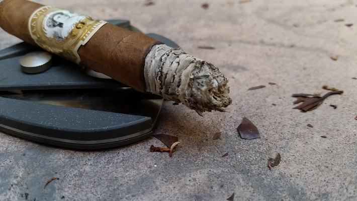 Personal Cigar Review: La Palina Goldie Laguito No. 2