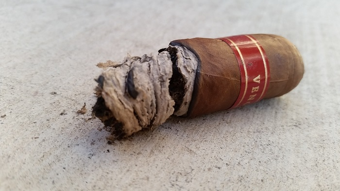 Team Cigar Review: Cornelius & Anthony Venganza Robusto