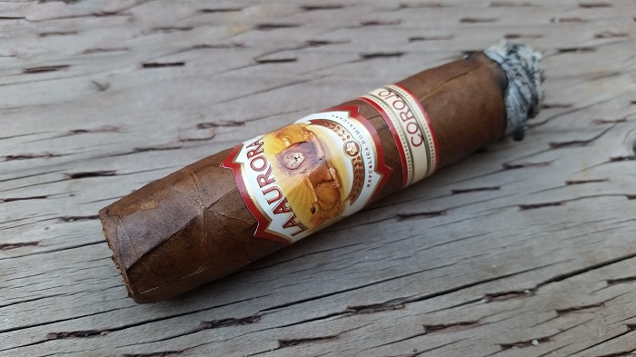 Team Cigar Review: La Aurora 1962 Corojo Robusto