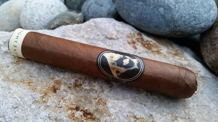 Team Cigar Review: Caldwell Eastern Standard Midnight Express Robusto