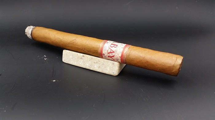 Team Cigar Review: MBombay Vintage Reserve Lancero 1973