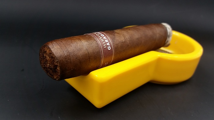 Team Cigar Review: Illusione Garagiste Robusto