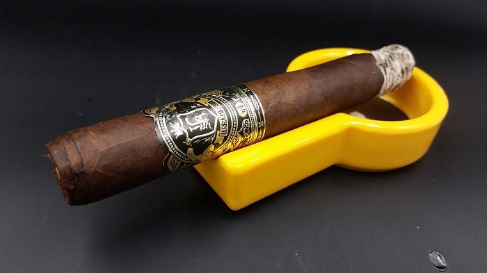 Team Cigar Review: Jas Sum Kral Crna Nok Toro