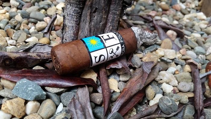 Team Cigar Review: Sacra Folium Fractal Prensado
