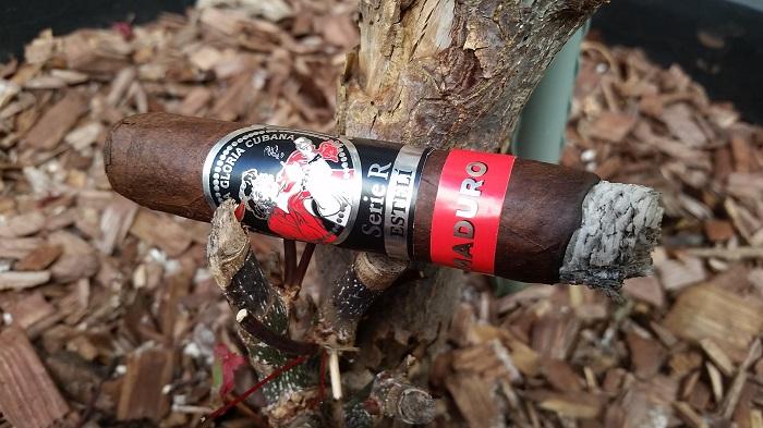 Team Cigar Review: La Gloria Cubana Serie R Esteli Maduro No. Fifty-Four
