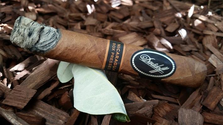 Team Cigar Review: Davidoff Nicaragua Box-Pressed Robusto