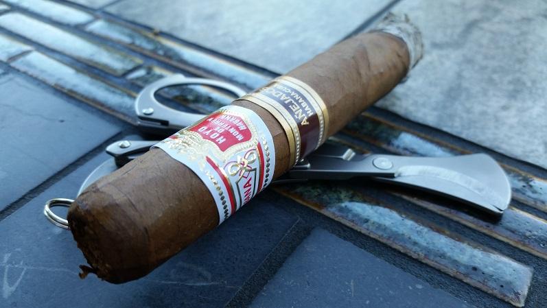 Team Cigar Review: Hoyo de Monterrey 2015 Habanos Añejados