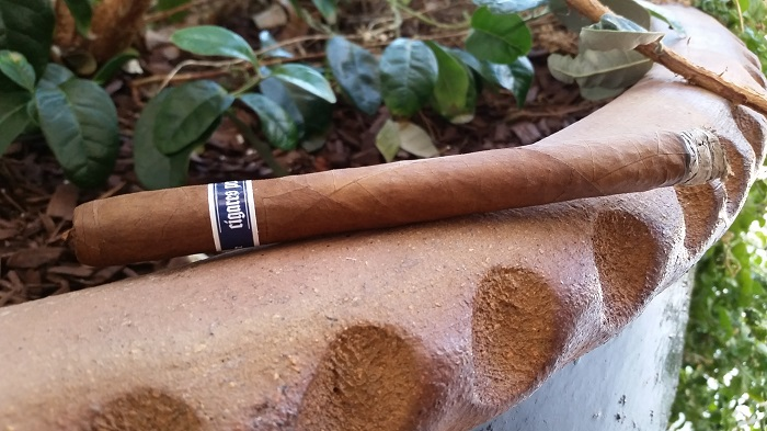 Team Cigar Review Illusione H-Town Lancero