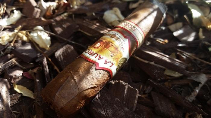 Team Cigar Review: La Aurora 1962 Corojo Robusto