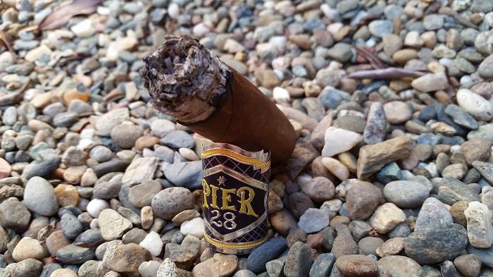 Team Cigar Review: Espinosa Pier 28 Habano Robusto