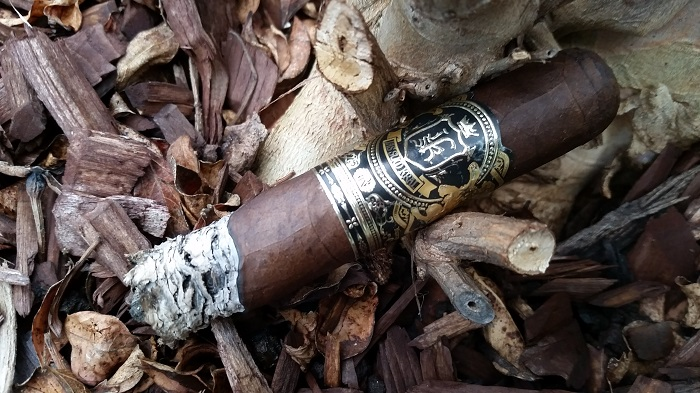Team Cigar Review: Jas Sum Kral Crna Nok Toro