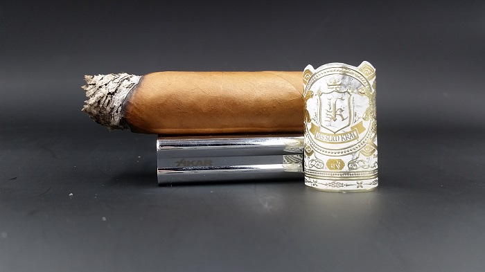 Team Cigar Review: Jas Sum Kral Zlatno Sonce Toro