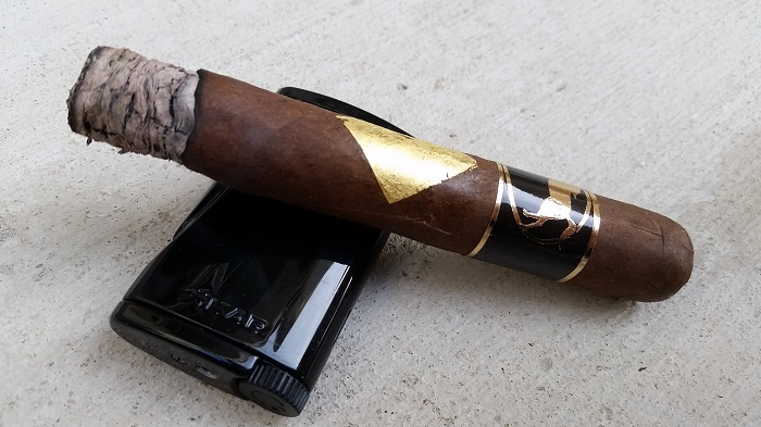 Team Cigar Review: Cavalier Genève Black Series Robusto