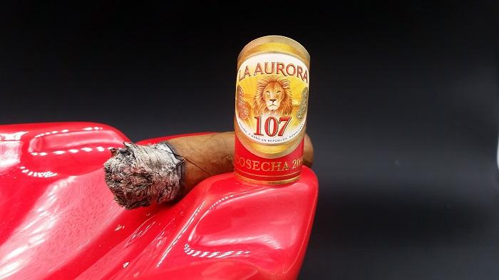 Team Cigar Review: La Aurora 107 Cosecha 2006 Corona Gorda