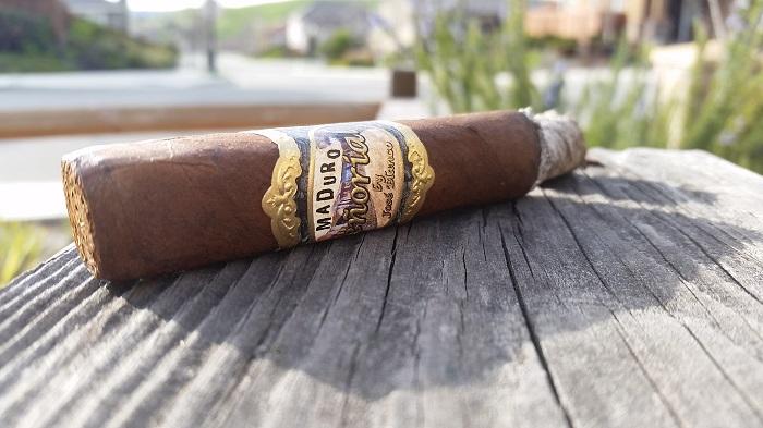 Team Cigar Review: Señorial Maduro Natural El Cuadro
