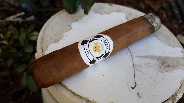 Team Cigar Review: Chogüí Papa Chogüí Corona Extra