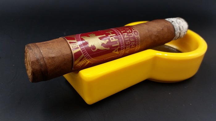 Team Cigar Review: Alpha Absinthe Infused Claro Robusto