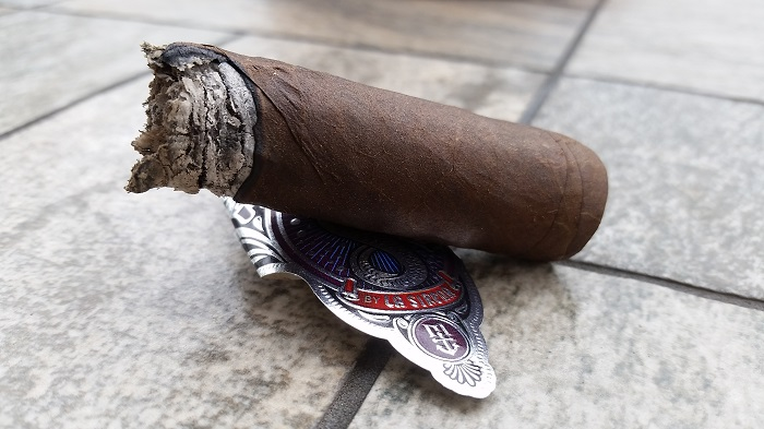 Team Cigar Review: La Sirena Merlion Maduro Robusto