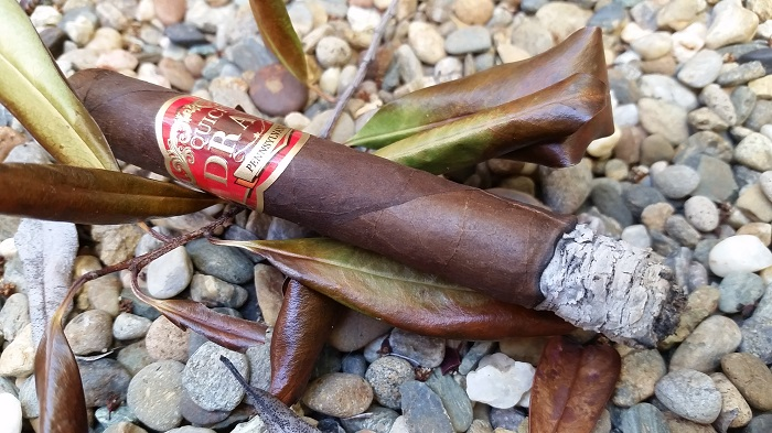 Team Cigar Review: Southern Draw QuickDraw Pennsylvania Broadleaf Short Panatela