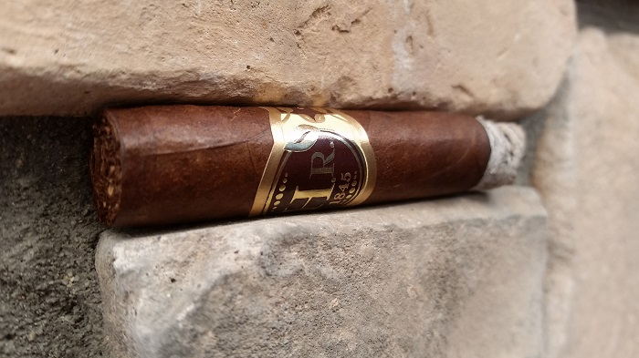 Team Cigar Review: H.R. Habano Corona
