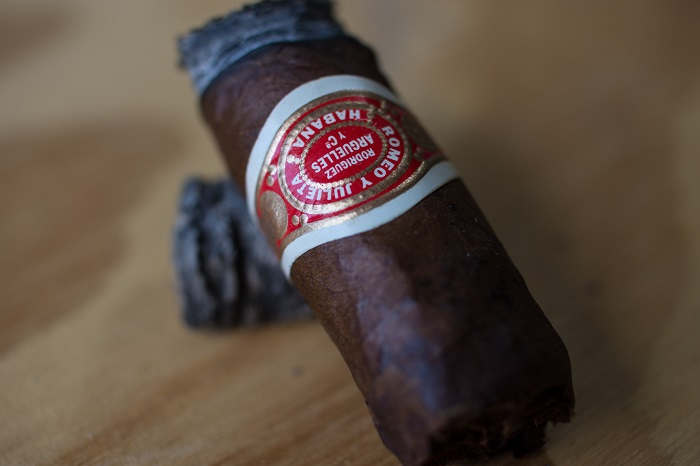 Personal Cigar Review: Romeo y Julieta Edición Limitada 2004