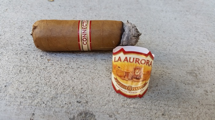 Team Cigar Review: La Aurora 1987 Connecticut Robusto