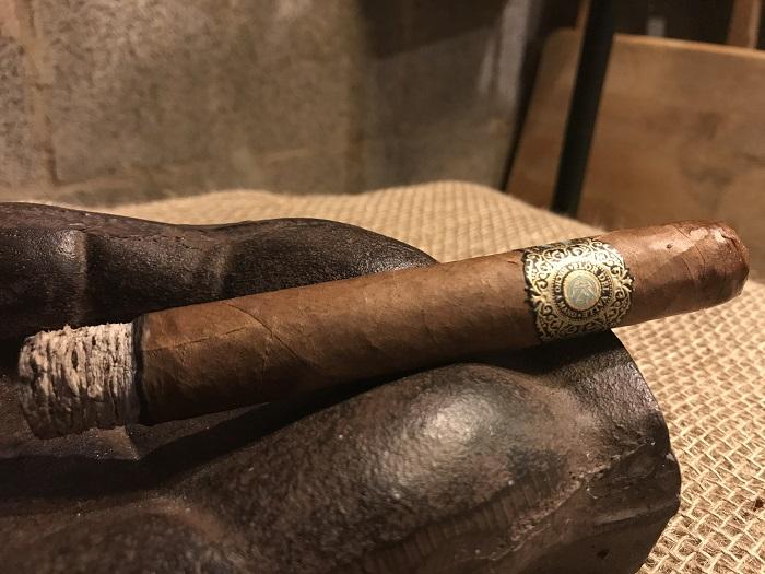 Team Cigar Review: Warped Flor del Valle Sky Flower 2017