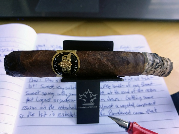 Team Cigar Review: Crowned Heads Four Kicks Maduro Robusto