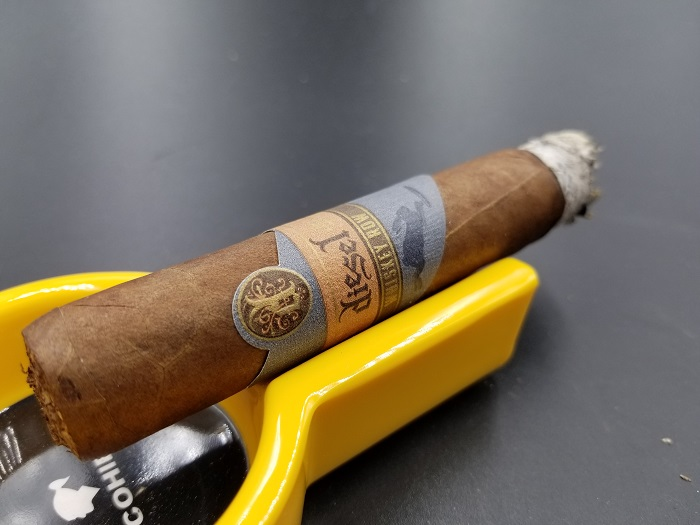 Team Cigar Review: Diesel Whiskey Row Robusto
