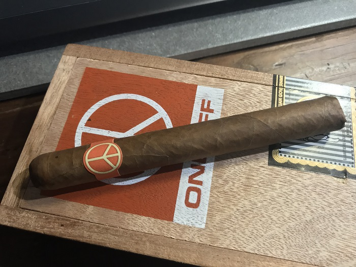 Team Cigar Review: Illusione OneOff Corona