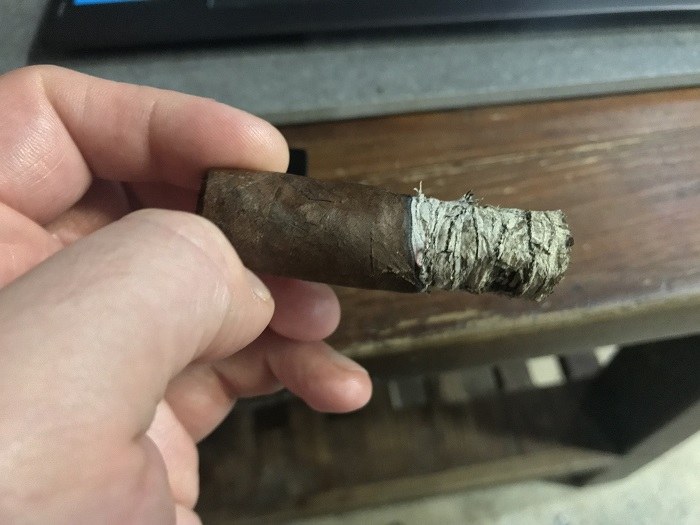 Team Cigar Review: La Barba Primitivo Robusto