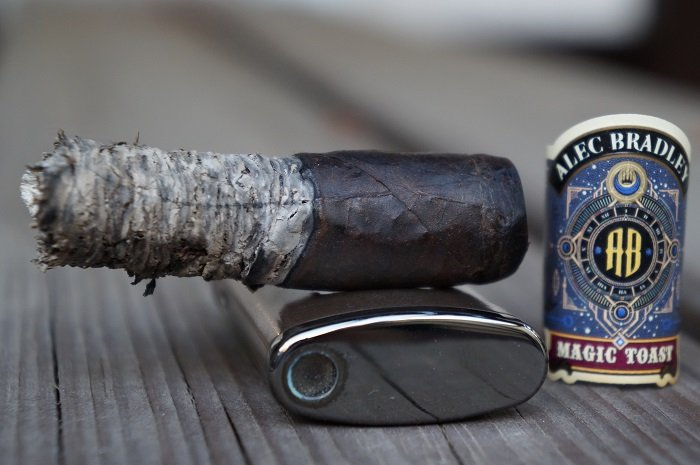 Team Cigar Review: Alec Bradley Magic Toast Robusto