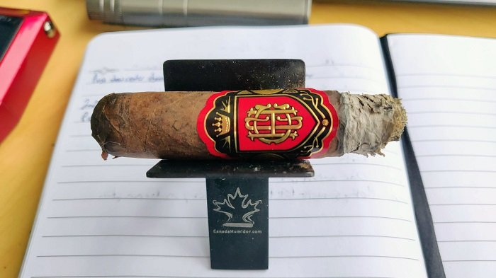 Team Cigar Review: Crowned Heads Court Reserve XVIII Robusto