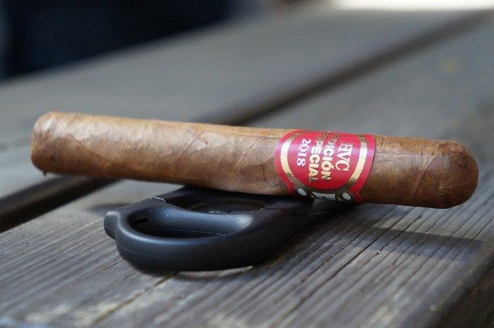 Team Cigar Review: HVC Edicion Especial 2018 Corona