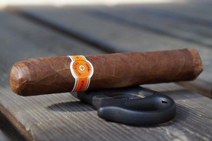 Team Cigar Review: Tatuaje Nuevitas Jibaro No. 1