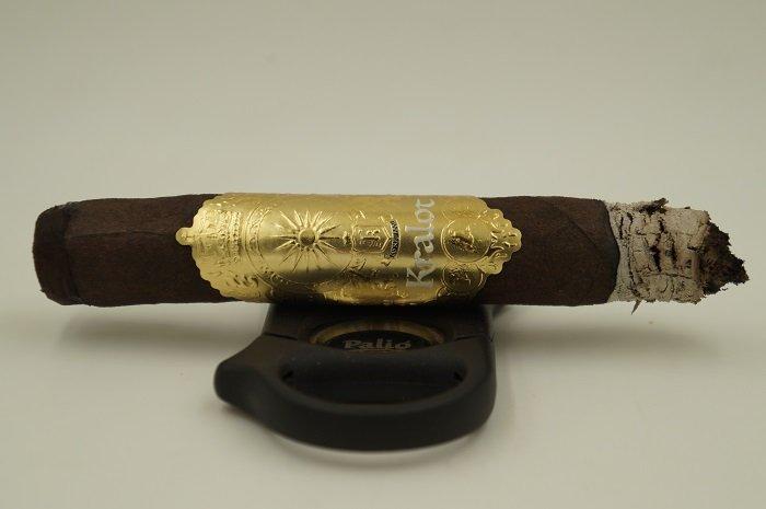 Team Cigar Review: Jas Sum Kral Kralot Robusto Extra
