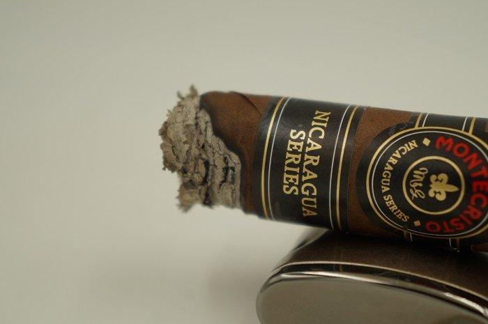 Team Cigar Review: Montecristo Nicaragua Series Toro