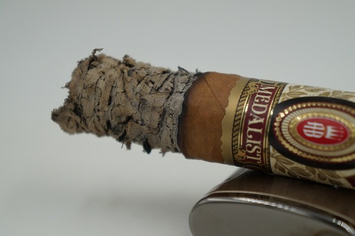 Team Cigar Review: Alec Bradley Medalist Toro