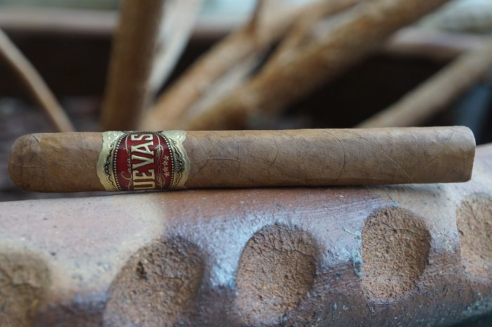 Team Cigar Review: Casa Cuevas Habano Clásico Prensado