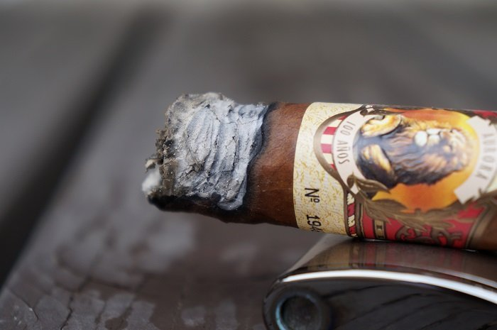 Team Cigar Review: La Aurora 100 Años Belicoso
