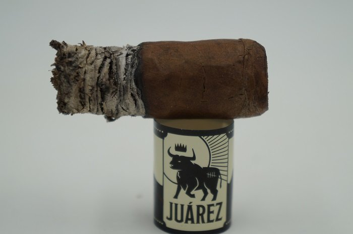 Team Cigar Review: Crowned Heads Juarez Robusto