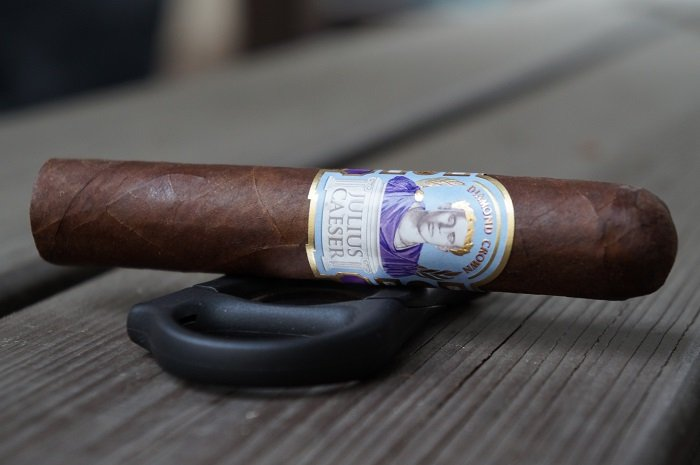 Team Cigar Review: Diamond Crown Julius Caeser Robusto