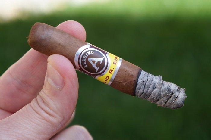Personal Cigar Review: JRE Aladino Elegante