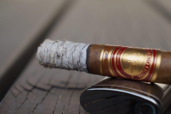 Team Cigar Review: Oliva Gilberto Reserva Corona