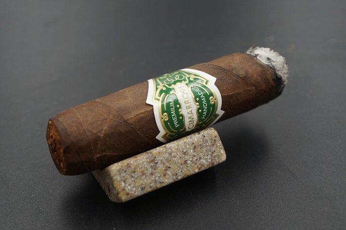 Team CiTeam Cigar Review: El Artista Cimarron Maduro Robusto