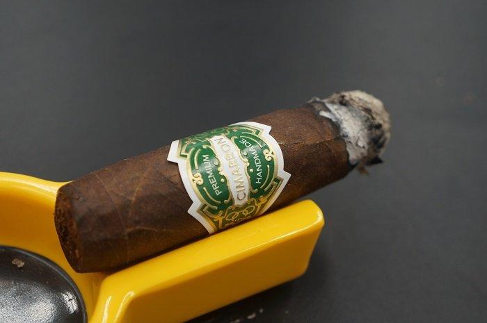 Team Cigar Review: El Artista Cimarron Maduro Robusto