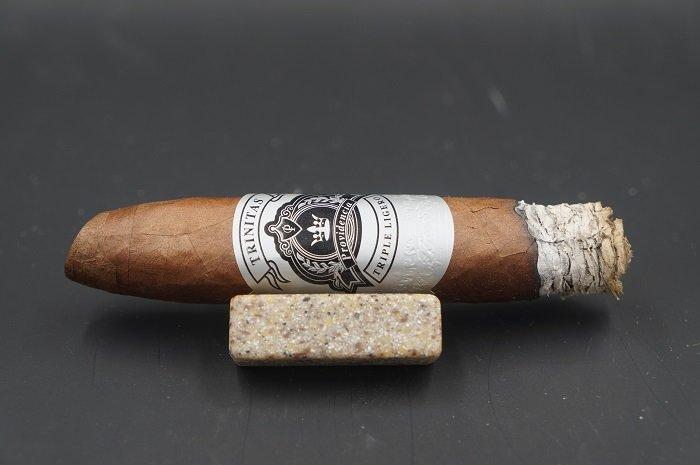 Team Cigar Review: Providencia Trinitas