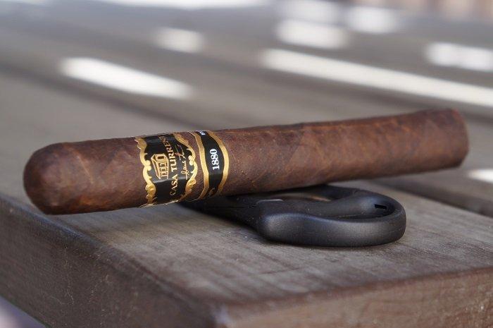 Team Cigar Review: Casa Turrent 1880 Toro